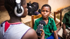 Sierra Leone children make radio programmes  thumbnail